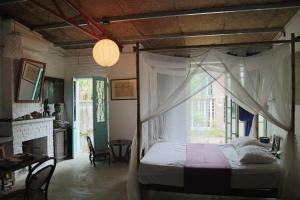 Thai Artist Home - H2H