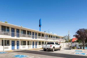 Motel 6 Reno - Virginia Plumb, Hotely  Reno - big - 27