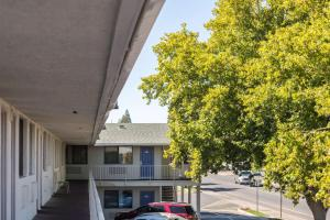 Motel 6 Reno - Virginia Plumb, Hotely  Reno - big - 21