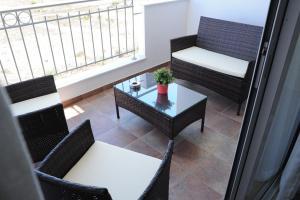 Kiti Deluxe Apartments, Apartmány  Kiti - big - 28