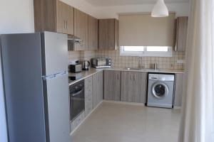Kiti Deluxe Apartments, Apartmány  Kiti - big - 76