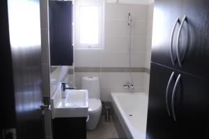 Kiti Deluxe Apartments, Apartmány  Kiti - big - 21