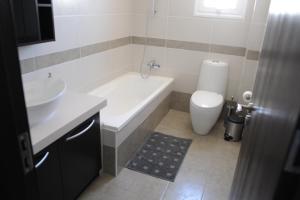Kiti Deluxe Apartments, Apartmány  Kiti - big - 71