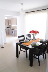 Kiti Deluxe Apartments, Apartmány  Kiti - big - 45