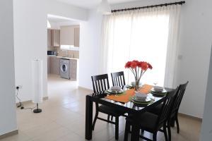 Kiti Deluxe Apartments, Apartmány  Kiti - big - 66