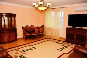 Podil View Apartment