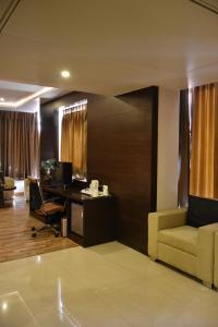 Hotel HBL International, Hotels  Gurgaon - big - 20