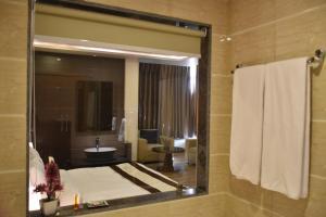 Hotel HBL International, Hotels  Gurgaon - big - 23
