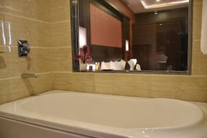 Hotel HBL International, Hotels  Gurgaon - big - 19