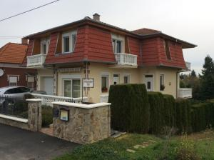 József Apartments House