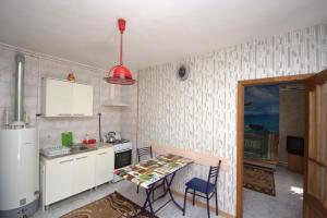 (House on Turgeneva 98)