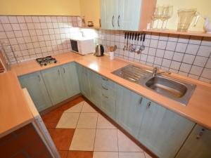 Holiday home Tuhrb, Case vacanze  Lhenice - big - 14