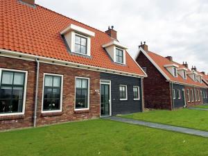 Holiday home Charming Beveland III, Ferienhäuser  Colijnsplaat - big - 1