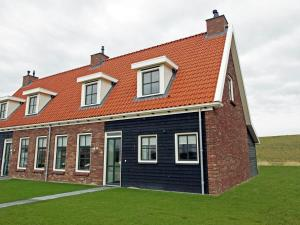 Holiday home Charming Beveland III, Ferienhäuser  Colijnsplaat - big - 4