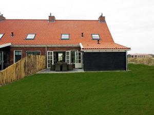 Holiday home Charming Beveland III, Ferienhäuser  Colijnsplaat - big - 5