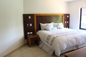 Luxury marina apartment, puerto aventuras, 1 block beach