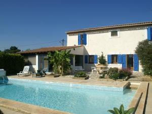 Holiday home Saint-Martin-De-Crau