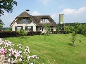 Holiday home Huize Zand