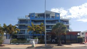 Pier One Apartments