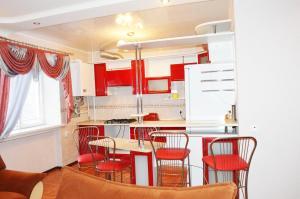 Studio Suite on Shyrshova Street
