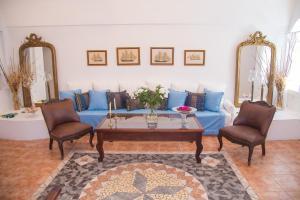Lydia Luxury villa(Karterados)