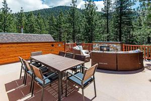 7 Bedroom/6.5 Bath 5700 Sq Ft Vacation Rental, Case vacanze  South Lake Tahoe - big - 12