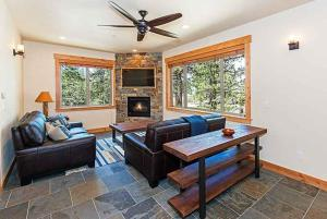 7 Bedroom/6.5 Bath 5700 Sq Ft Vacation Rental, Case vacanze  South Lake Tahoe - big - 7