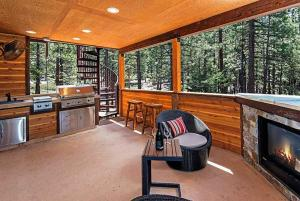 7 Bedroom/6.5 Bath 5700 Sq Ft Vacation Rental, Case vacanze  South Lake Tahoe - big - 6
