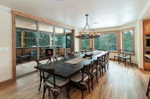 7 Bedroom/6.5 Bath 5700 Sq Ft Vacation Rental, Case vacanze  South Lake Tahoe - big - 43