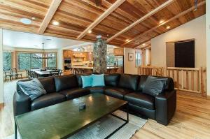 7 Bedroom/6.5 Bath 5700 Sq Ft Vacation Rental, Case vacanze  South Lake Tahoe - big - 13