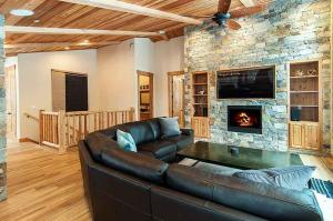 7 Bedroom/6.5 Bath 5700 Sq Ft Vacation Rental, Case vacanze  South Lake Tahoe - big - 11