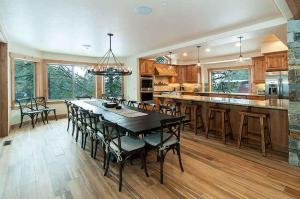 7 Bedroom/6.5 Bath 5700 Sq Ft Vacation Rental, Case vacanze  South Lake Tahoe - big - 9