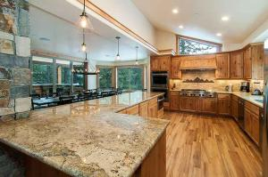 7 Bedroom/6.5 Bath 5700 Sq Ft Vacation Rental, Case vacanze  South Lake Tahoe - big - 20