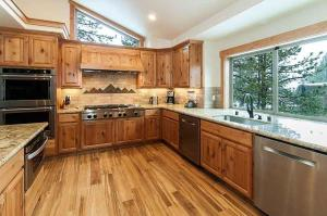 7 Bedroom/6.5 Bath 5700 Sq Ft Vacation Rental, Case vacanze  South Lake Tahoe - big - 41