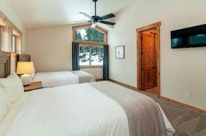 7 Bedroom/6.5 Bath 5700 Sq Ft Vacation Rental, Case vacanze  South Lake Tahoe - big - 39