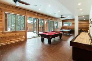 7 Bedroom/6.5 Bath 5700 Sq Ft Vacation Rental, Case vacanze  South Lake Tahoe - big - 26