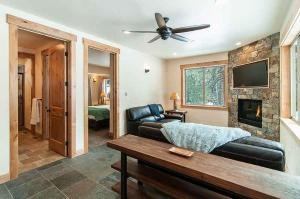 7 Bedroom/6.5 Bath 5700 Sq Ft Vacation Rental, Case vacanze  South Lake Tahoe - big - 22