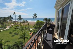 Beachfront views Condo - A406