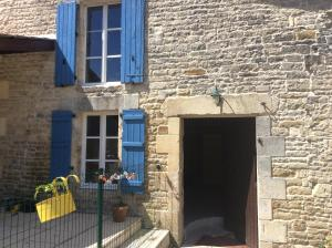 Le Petit Bijou, Bed & Breakfast  Saint-Fraigne - big - 9