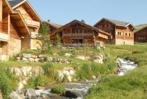 Madame Vacances Les Chalets de l'Altiport - Residence - Alpe d'Huez