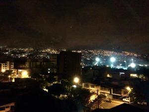 Apartamento Medellín Sun Set, Guest houses  Medellín - big - 22