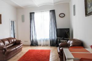 Apartment on Nevsky Prospekt 90-92