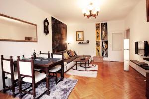 Debnicki square Apartment