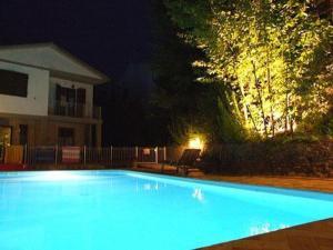 Villa Il Castagno, Hétvégi házak  Sassetta - big - 17