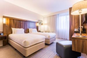 Courtyard by Marriott Glasgow Airport, Hotels  Paisley - big - 8