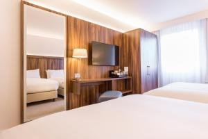Courtyard by Marriott Glasgow Airport, Hotels  Paisley - big - 4