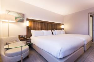 Courtyard by Marriott Glasgow Airport, Hotels  Paisley - big - 3