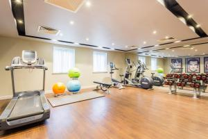 Courtyard by Marriott Glasgow Airport, Hotels  Paisley - big - 24