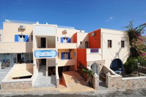 Orfeas Apartments(Kamari)