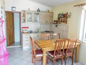 Nanara, Holiday homes  Tkon - big - 26